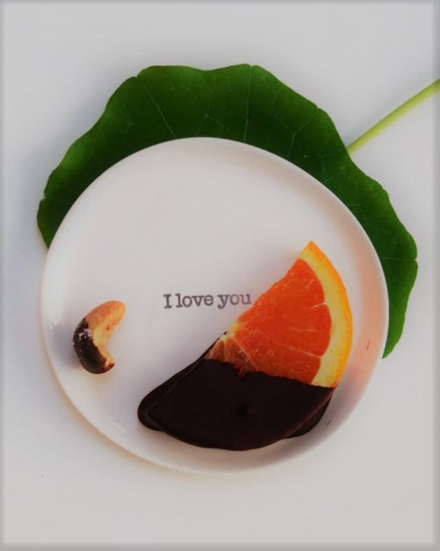Chocolate, fruit, & love – A healthy and delicious dessert for Valentine's Day